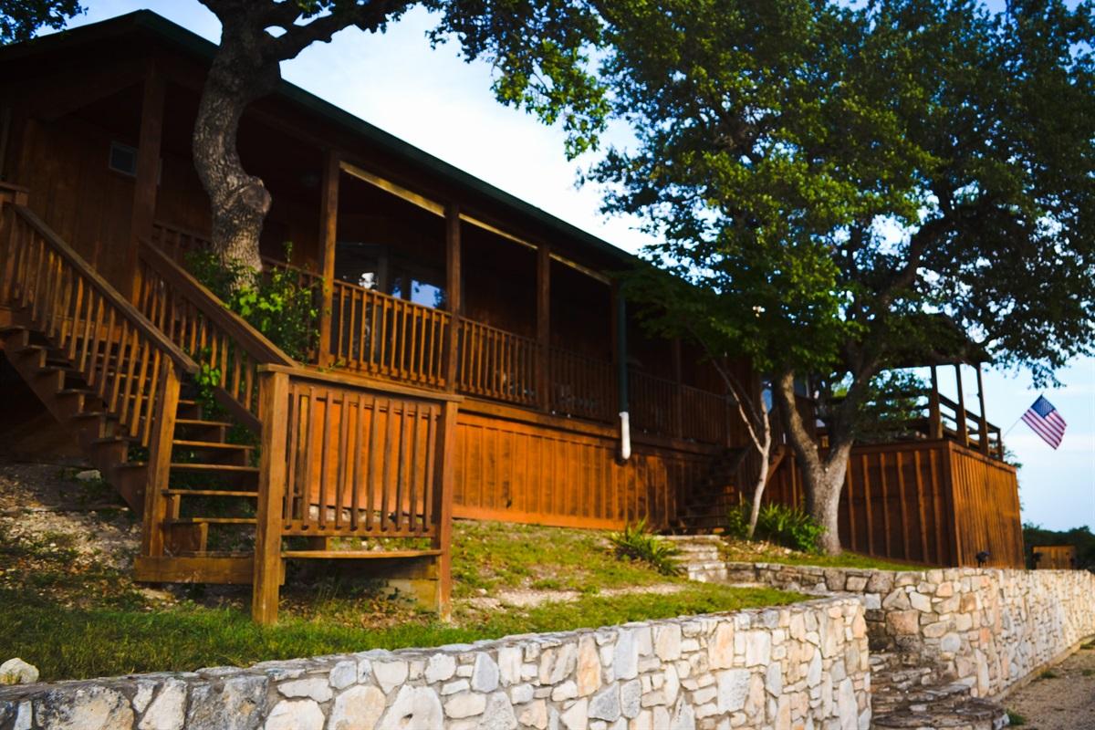 Lower cabin (master bedroom, kitchen, living space)