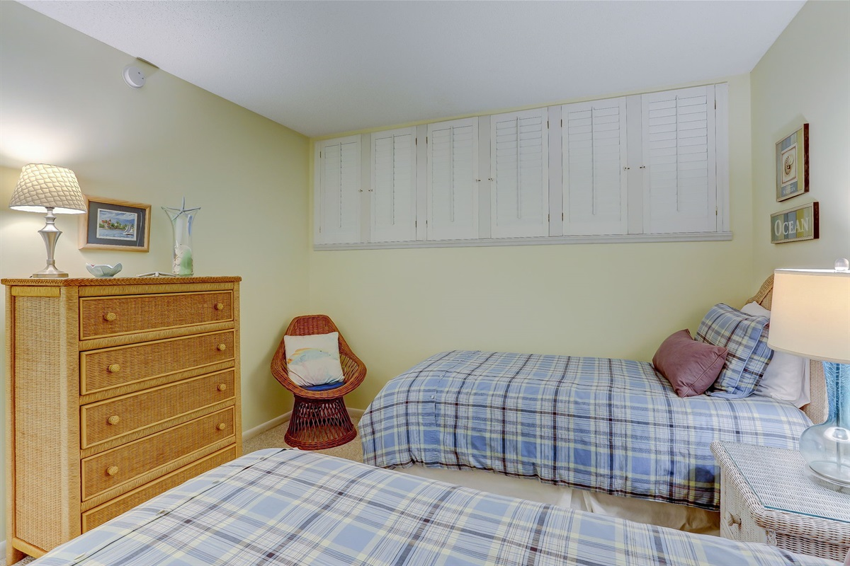 Dresser in Twin Bedroom