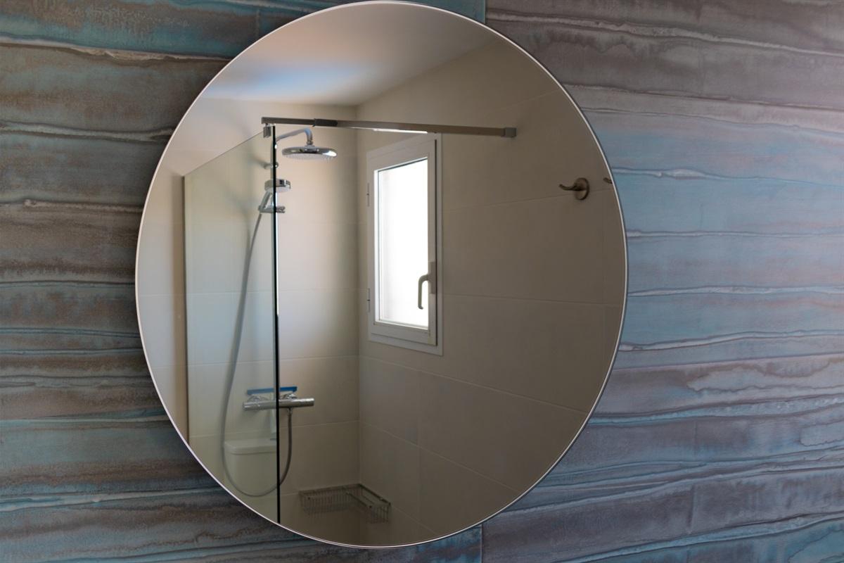 Bathroom next to master bedroom