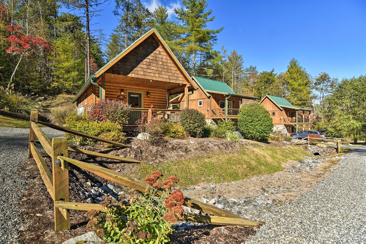 Find a home-away-from-home at 'Evergreen' a vacation rental in Weaverville!