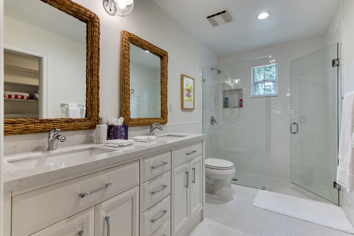 Large Master King Bedroom with En-suite bathroom. Double vanity marble counters, stunning walk-in shower and large closet.