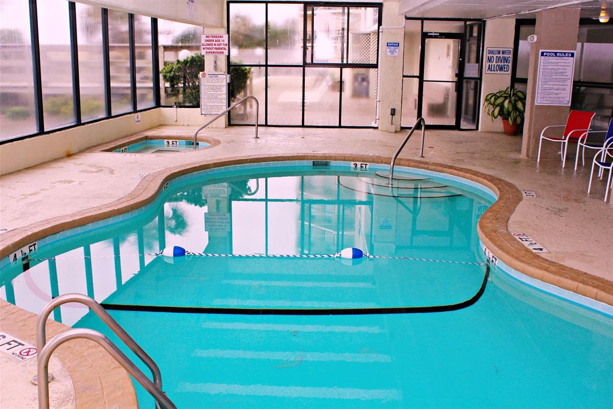 Indoor heated pool / hot tub