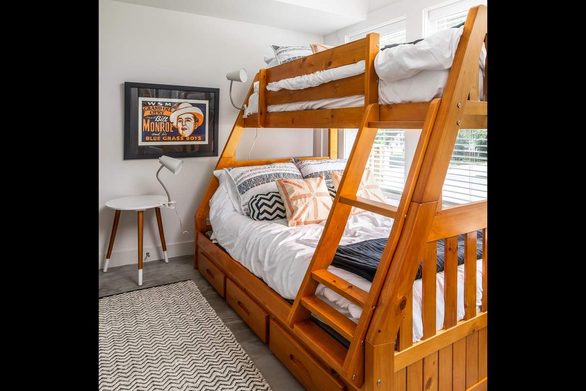 Full over Twin Bed