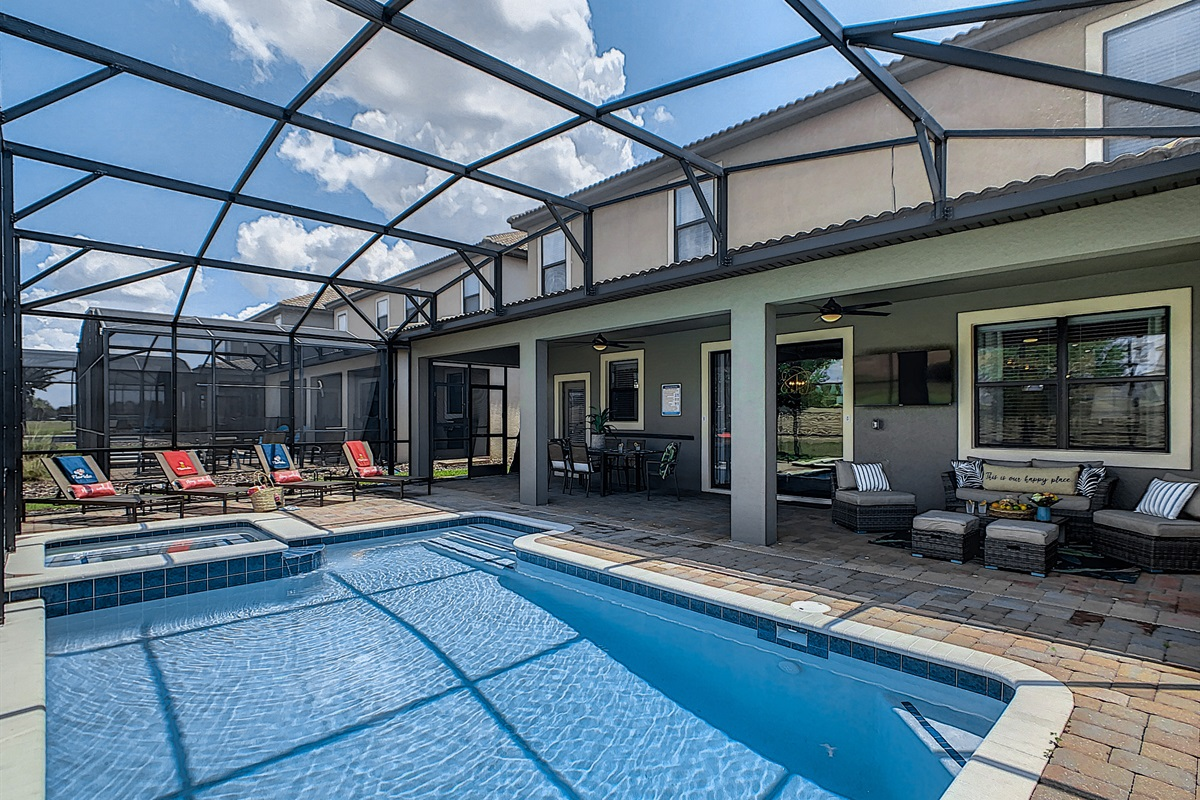 Private West Facing Heated Pool/Spa
