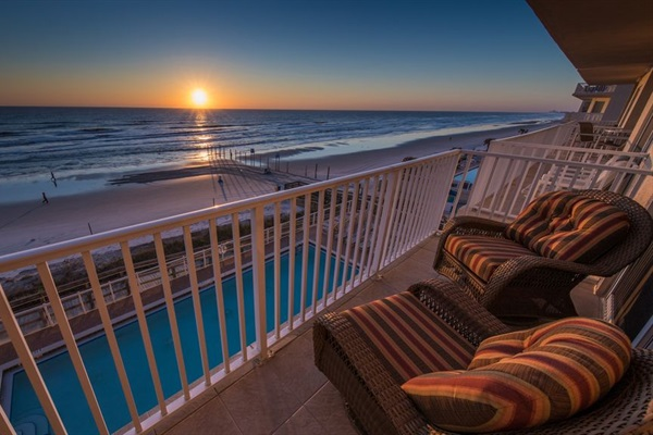 Oceanfront balcony view - sunrise!