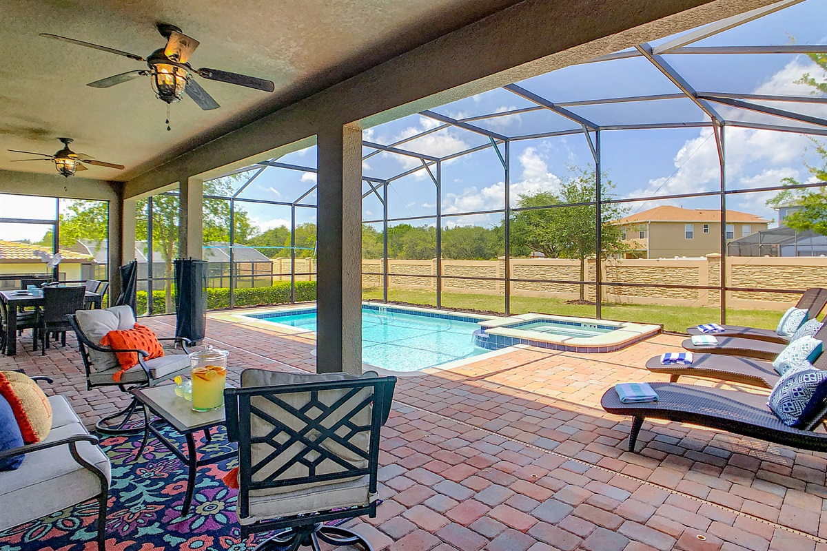 West Facing (plenty of sun year round) Heated Pool/Spa - Private