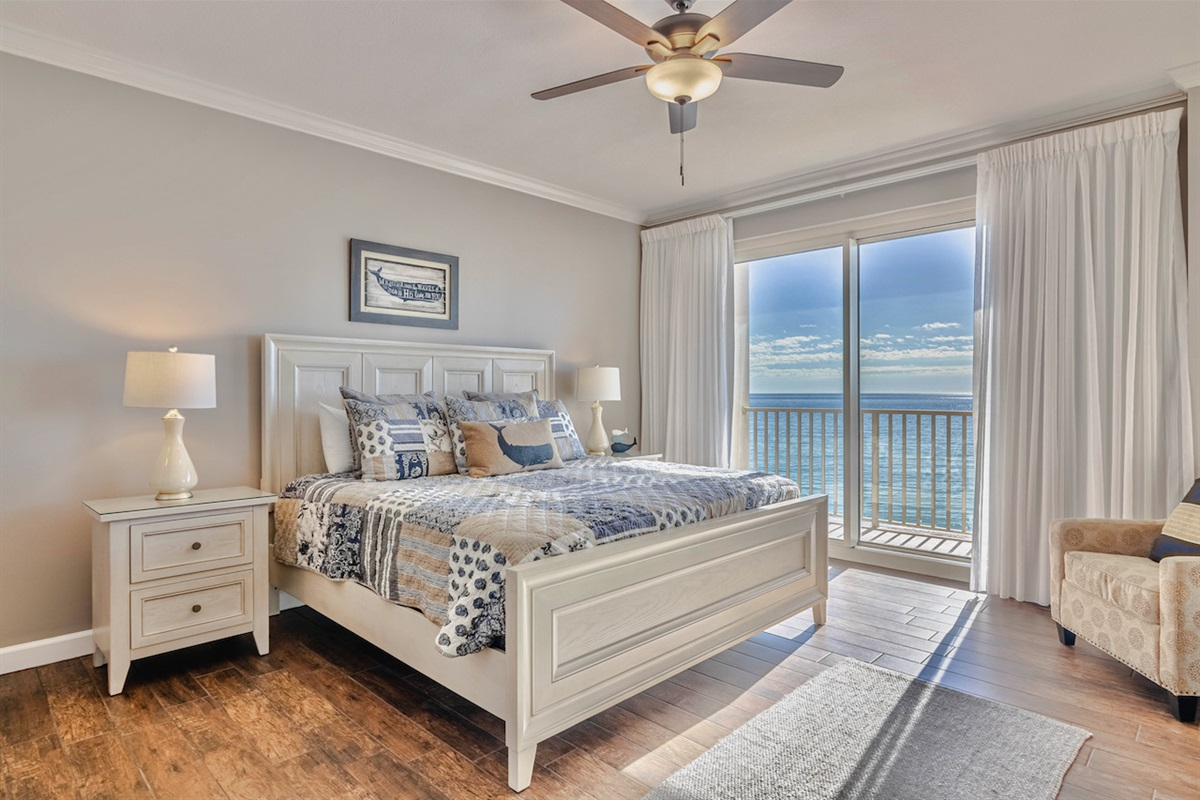 extra large king master bedroom
