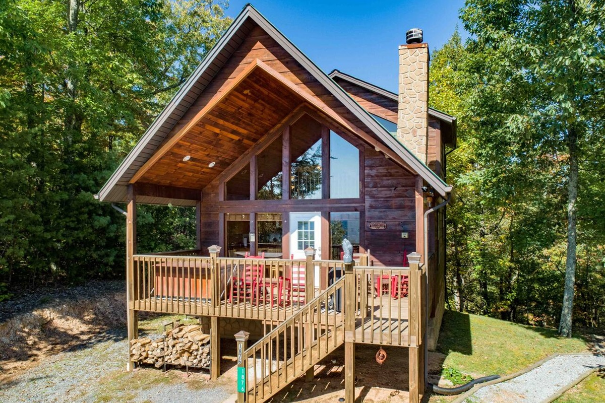 Crimson Crest Cabin is your home away from home