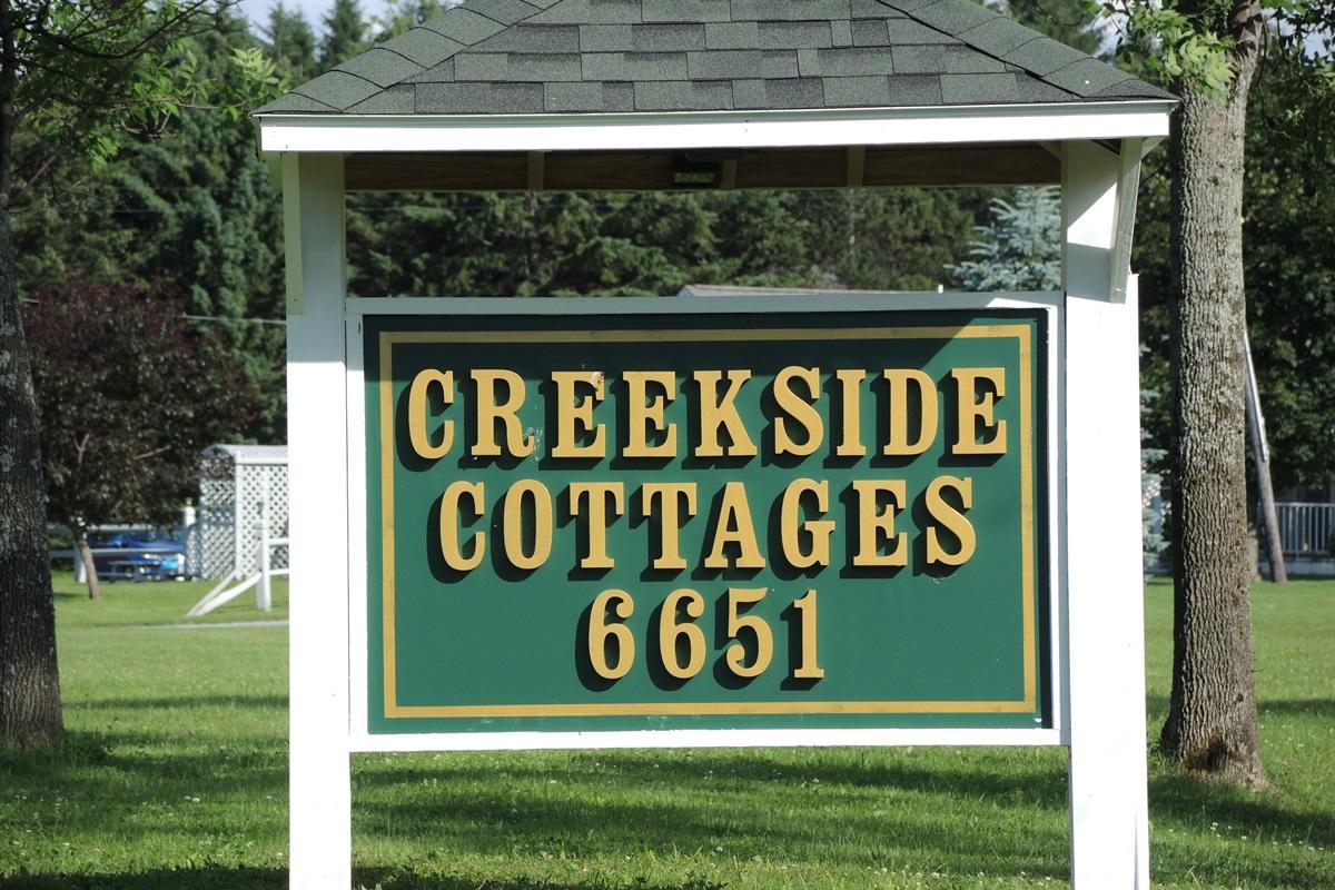 Road sign at Creekside Cottages