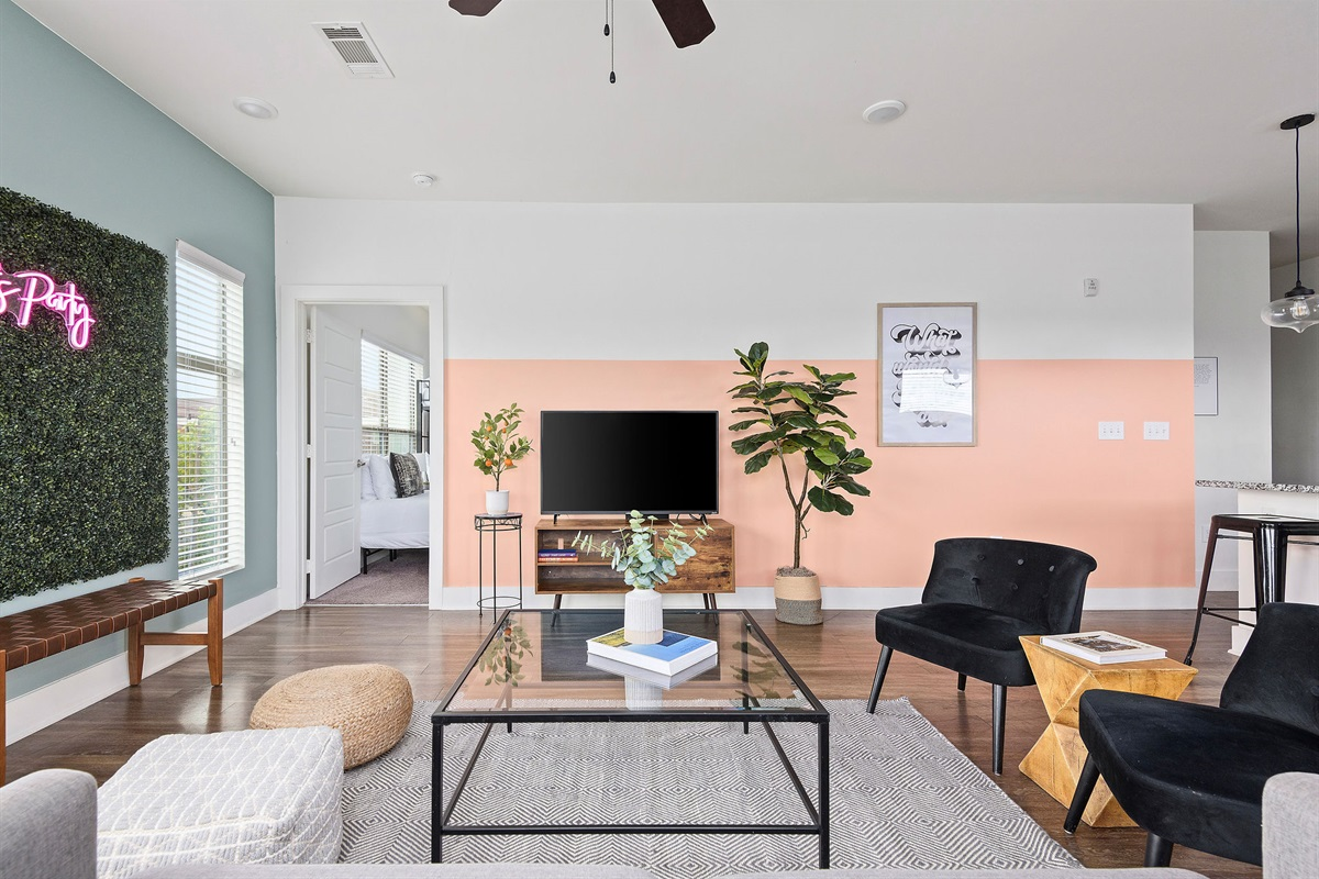 Relax as a group in the comfortable living room.  Includes a Roku Smart TV and high speed Internet!