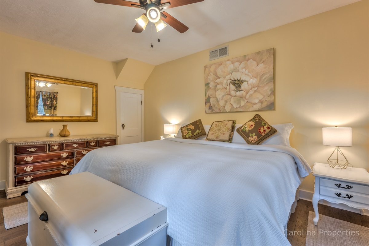 Lower level bedroom with king size bed