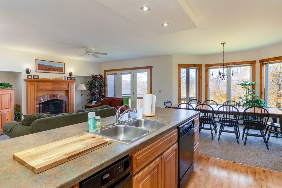Fabulous spacious living and dining area right next to kitchen. Bright and airy.