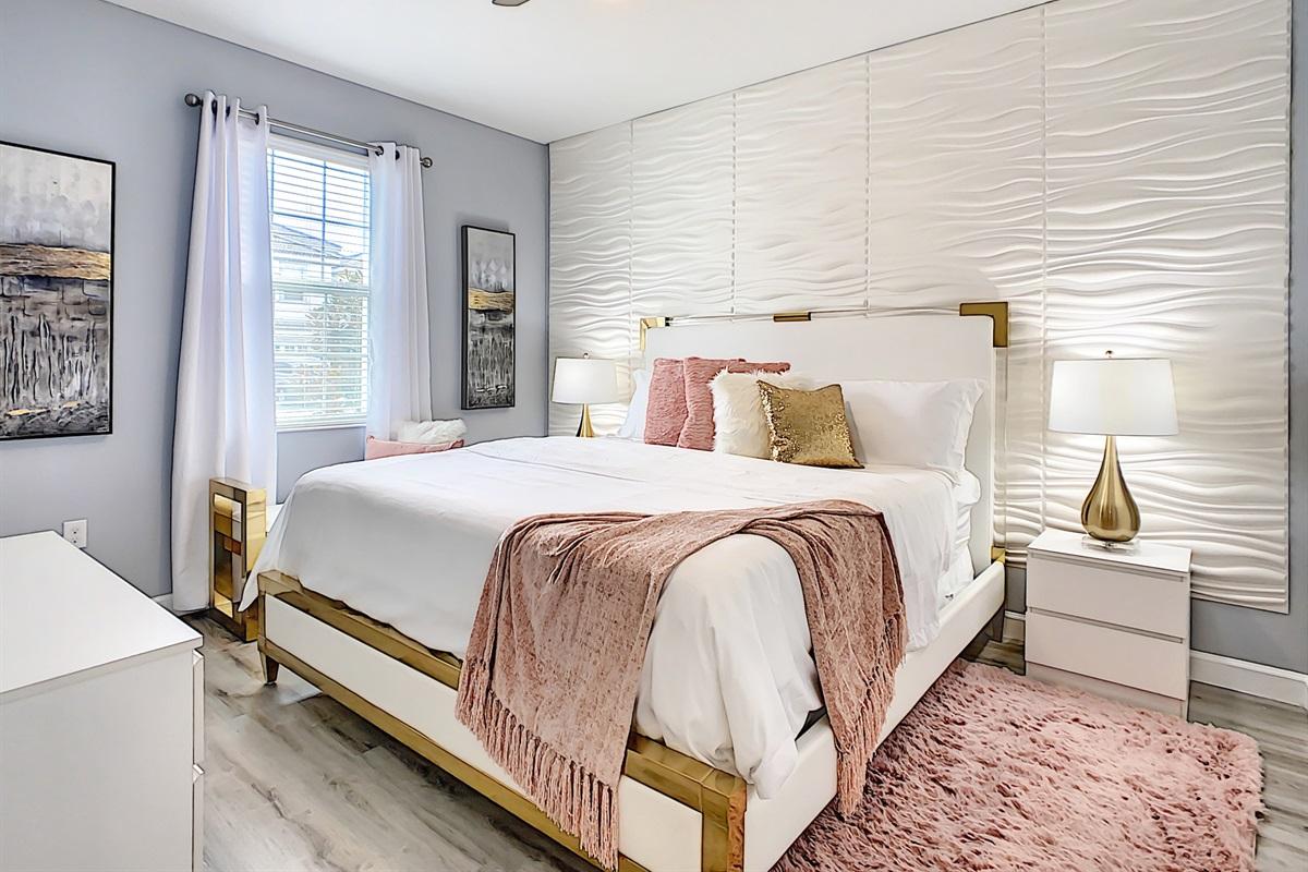 Master Suite 2-1st Floor-King Bed