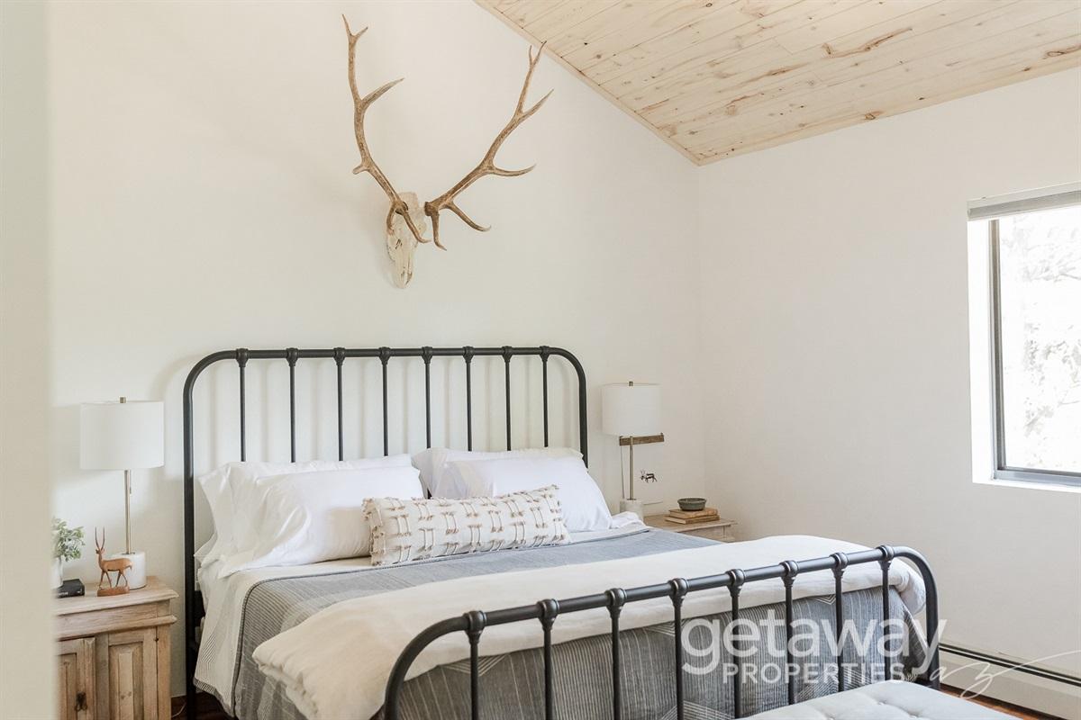King Bedroom - Upstairs