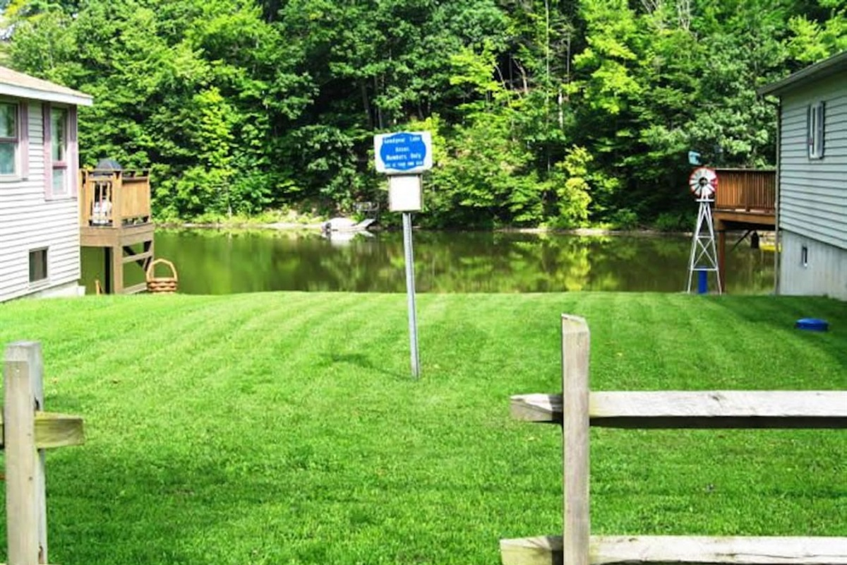 Public lake access area to bring kayaks - (kayak dolly provided for easy transportation to the access point!)