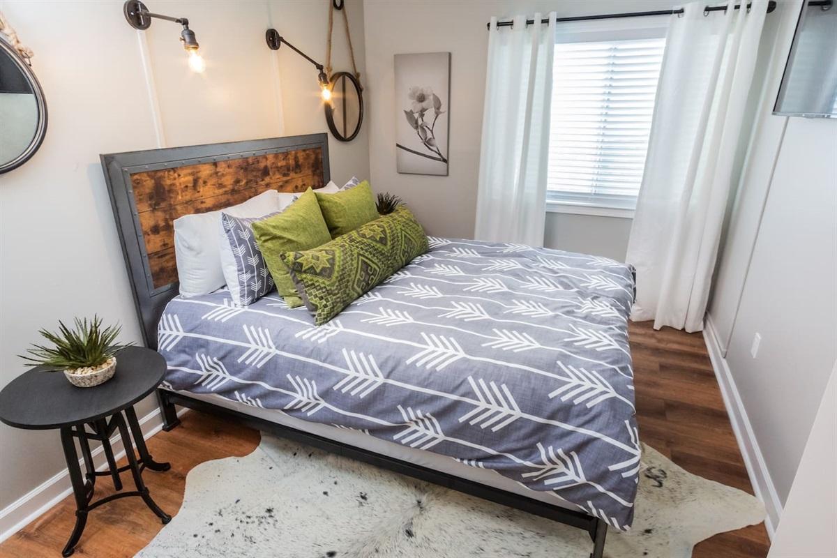 Bedroom 1 w/ Queen