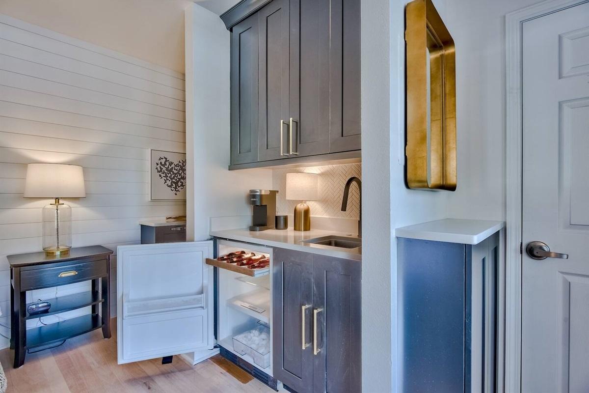 Mini fridge, microwave and sink