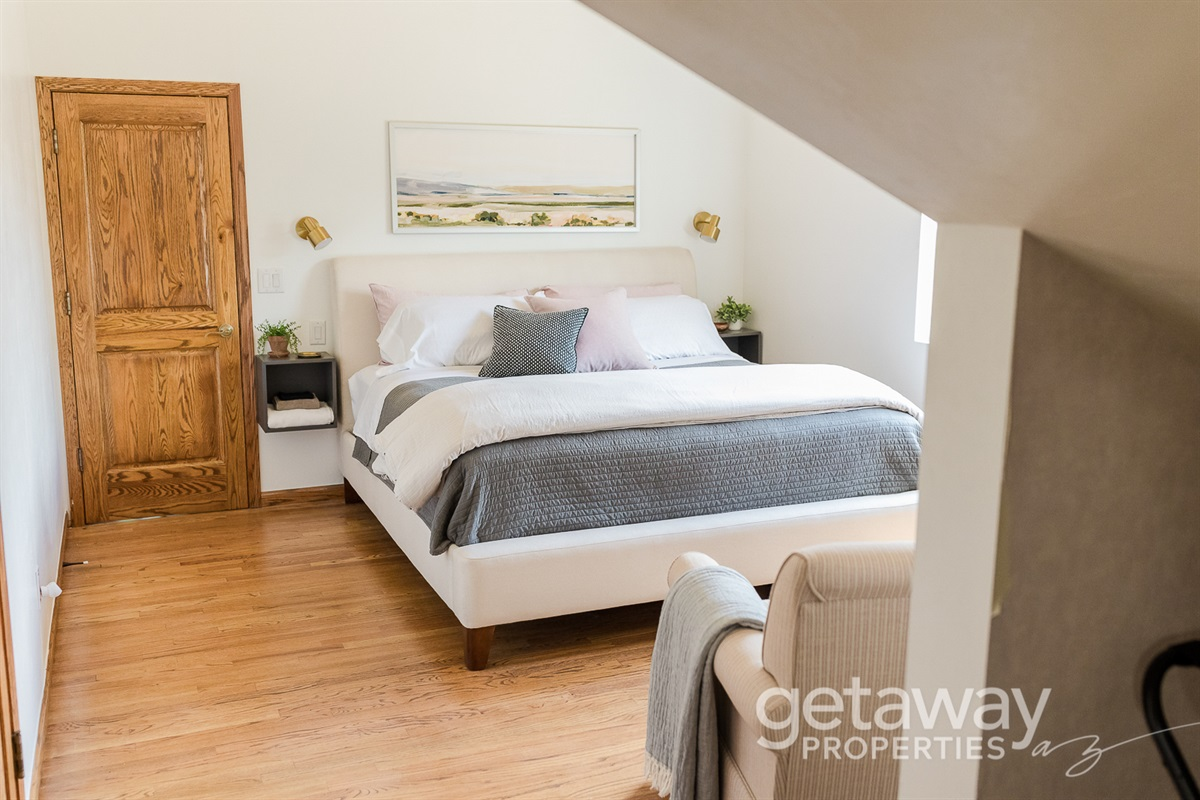 Upstairs King Bed with Trundle Room