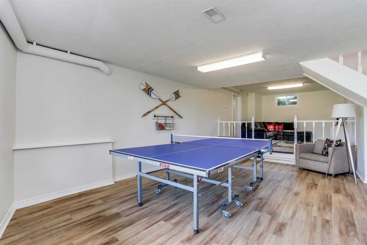 Games room downstairs w/Pingpong
