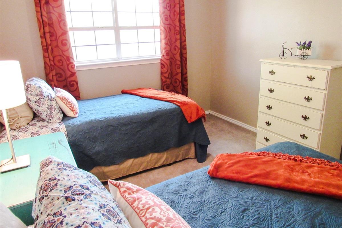 Bedroom #3 (2 twin beds).