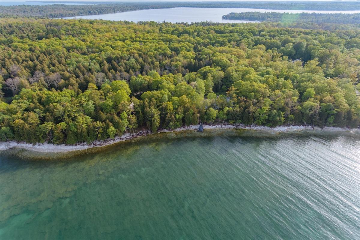 Proximity to Clark Lake