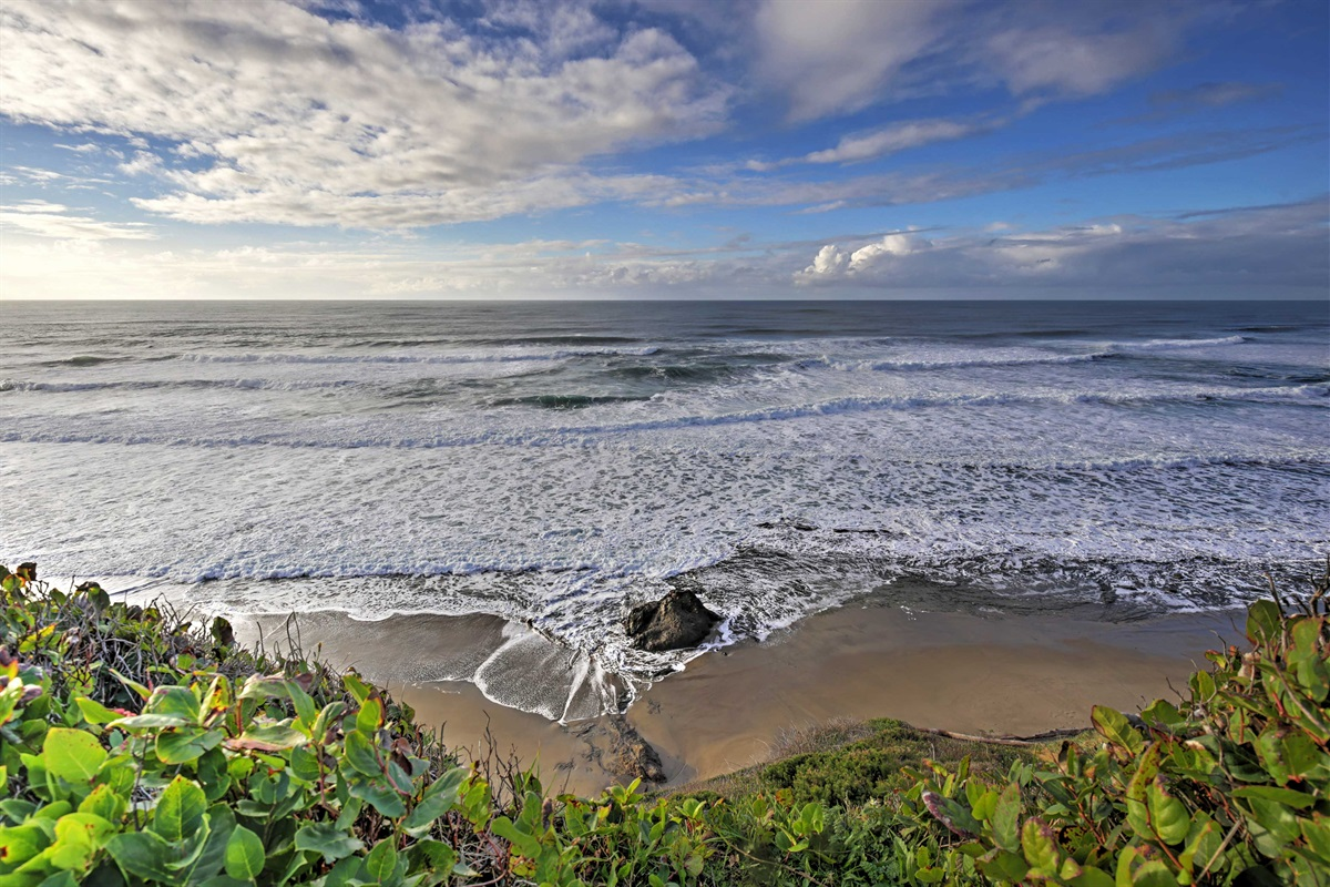 Nelscott Reef creates the only place on the Oregon Coast for big wave surfing.
