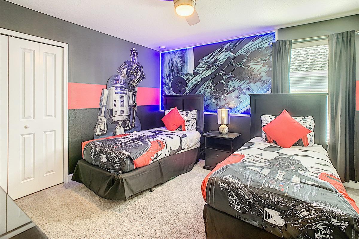 Bedroom #5-2nd Floor-Twin Beds