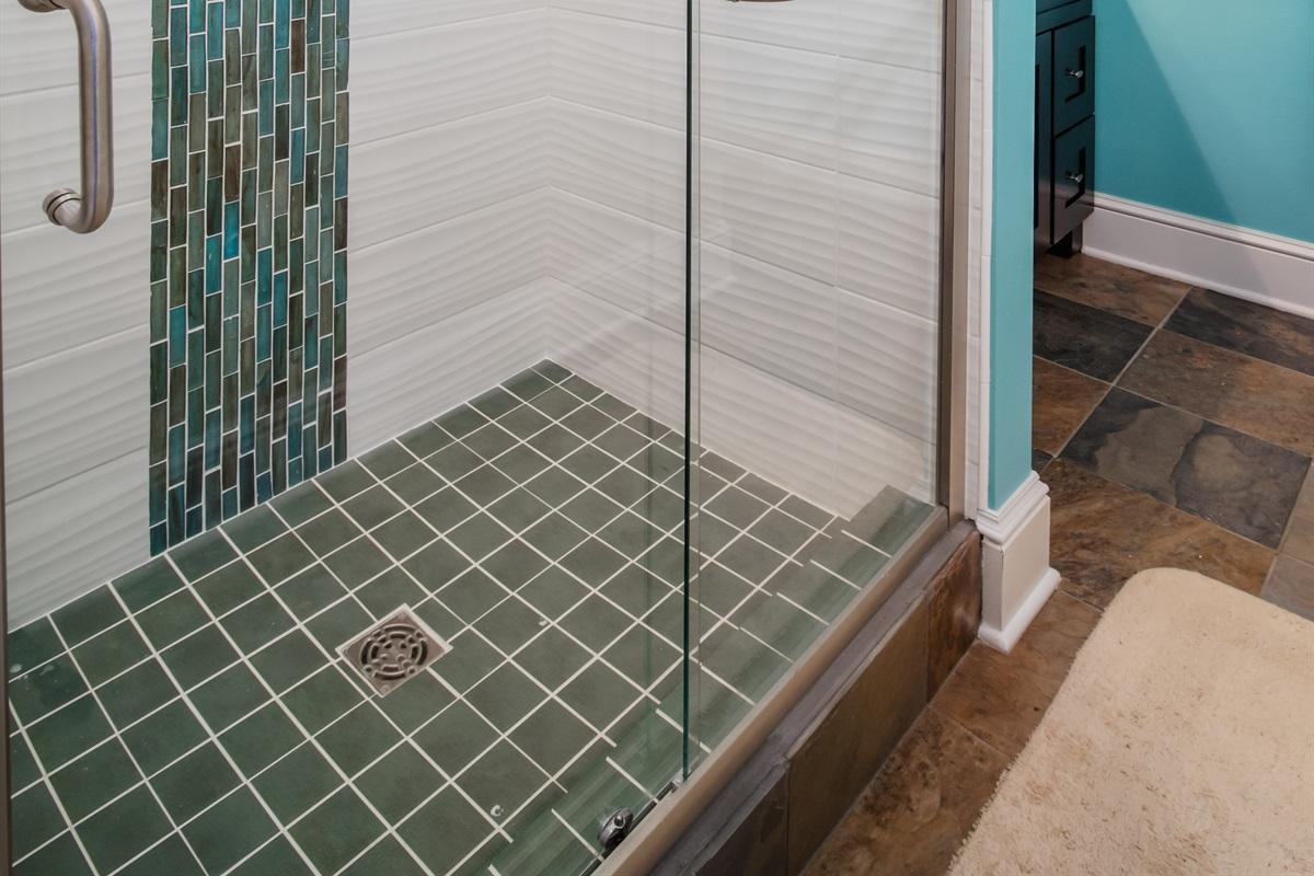 Guests love this large shower and its great water pressure.