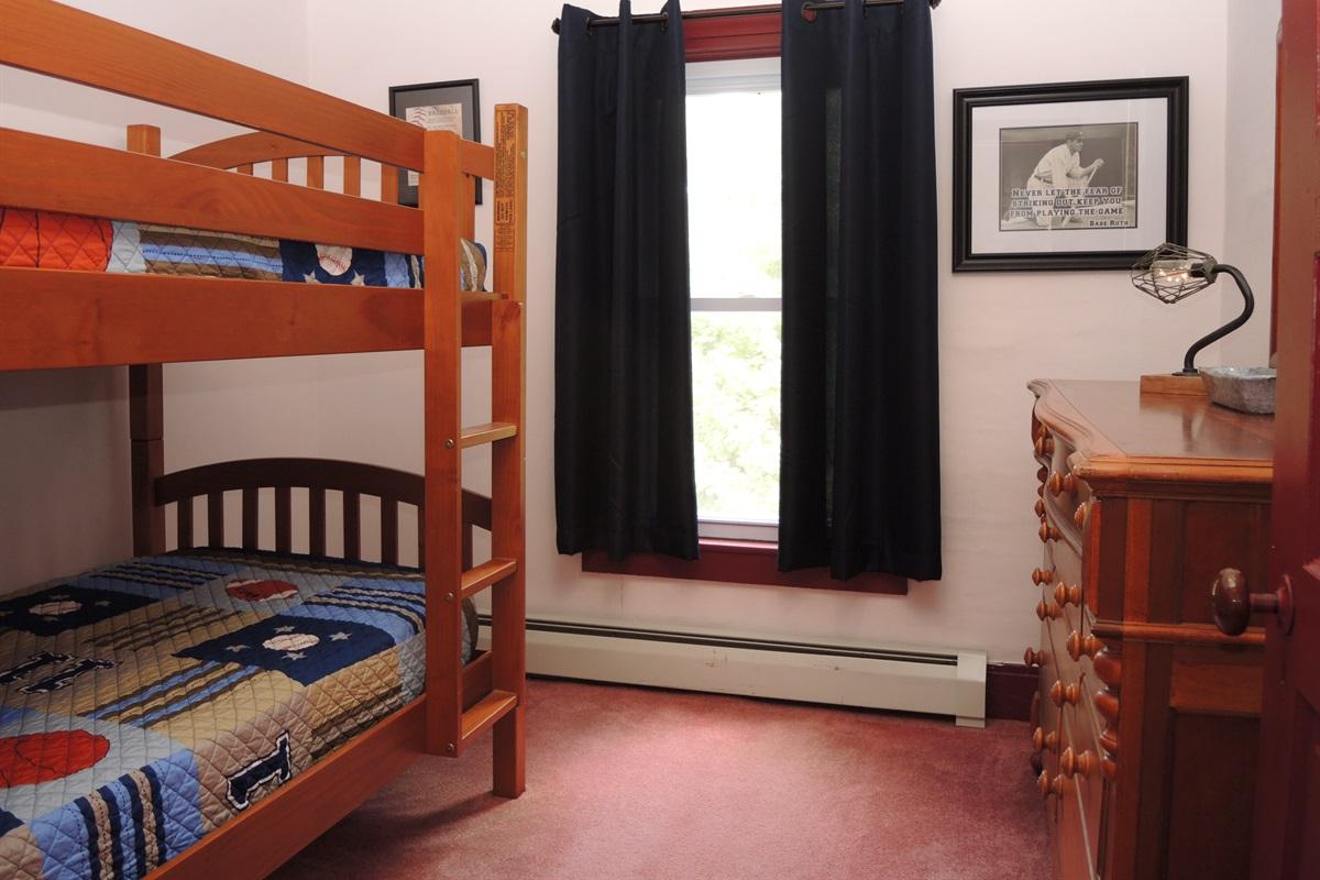 2nd floor Bunkbed room #2