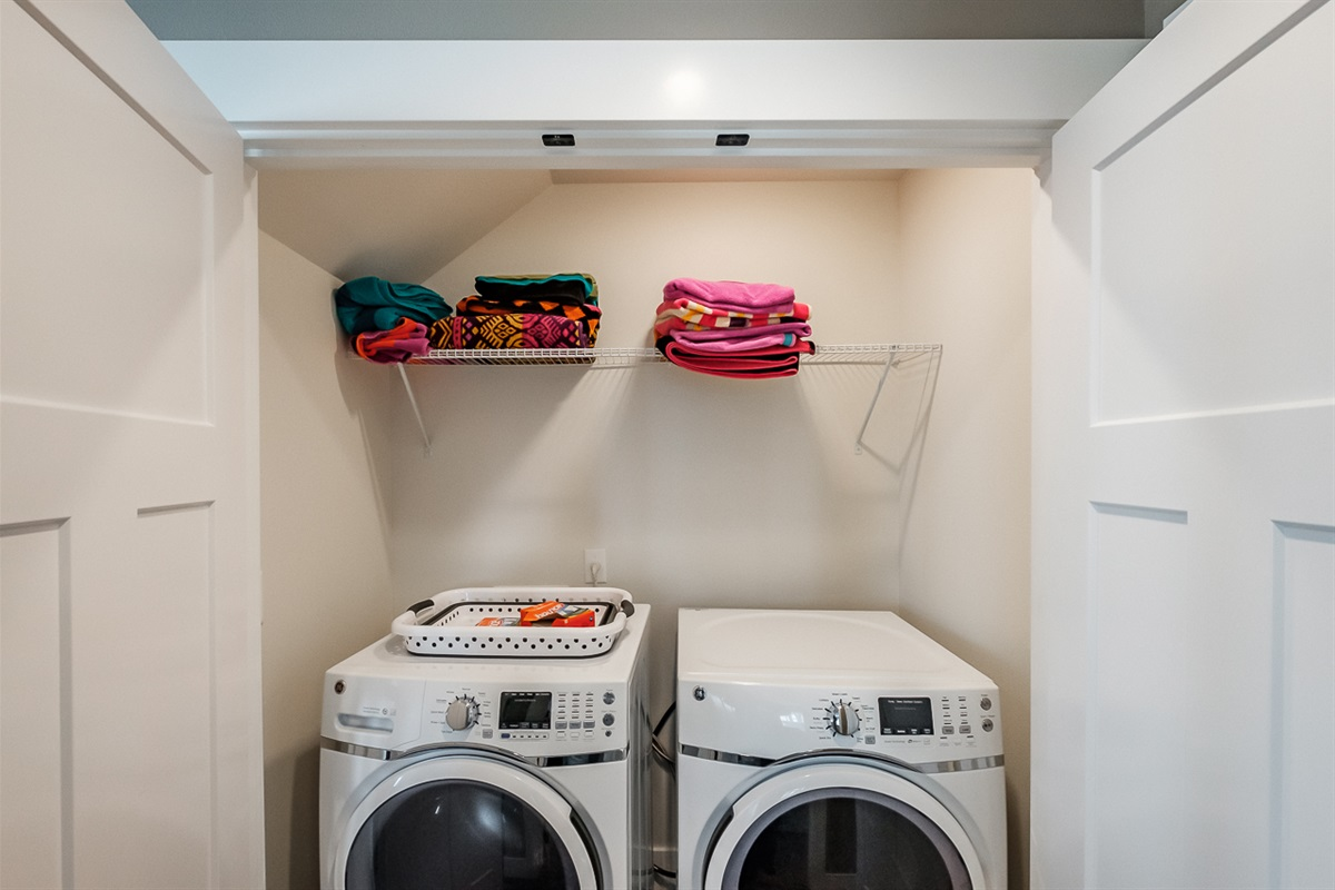 Lower level washer & dryer are helpful for longer beach getaways or wet beach accidents.