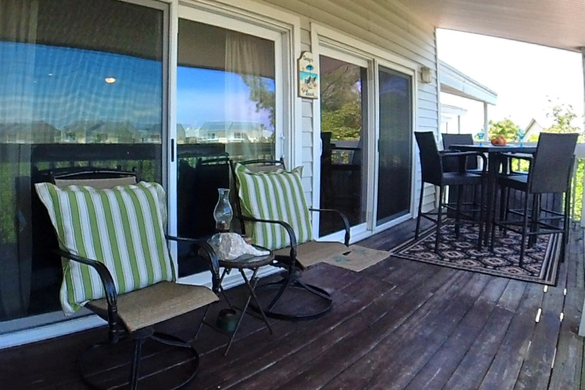 Covered Balcony Seating for 6