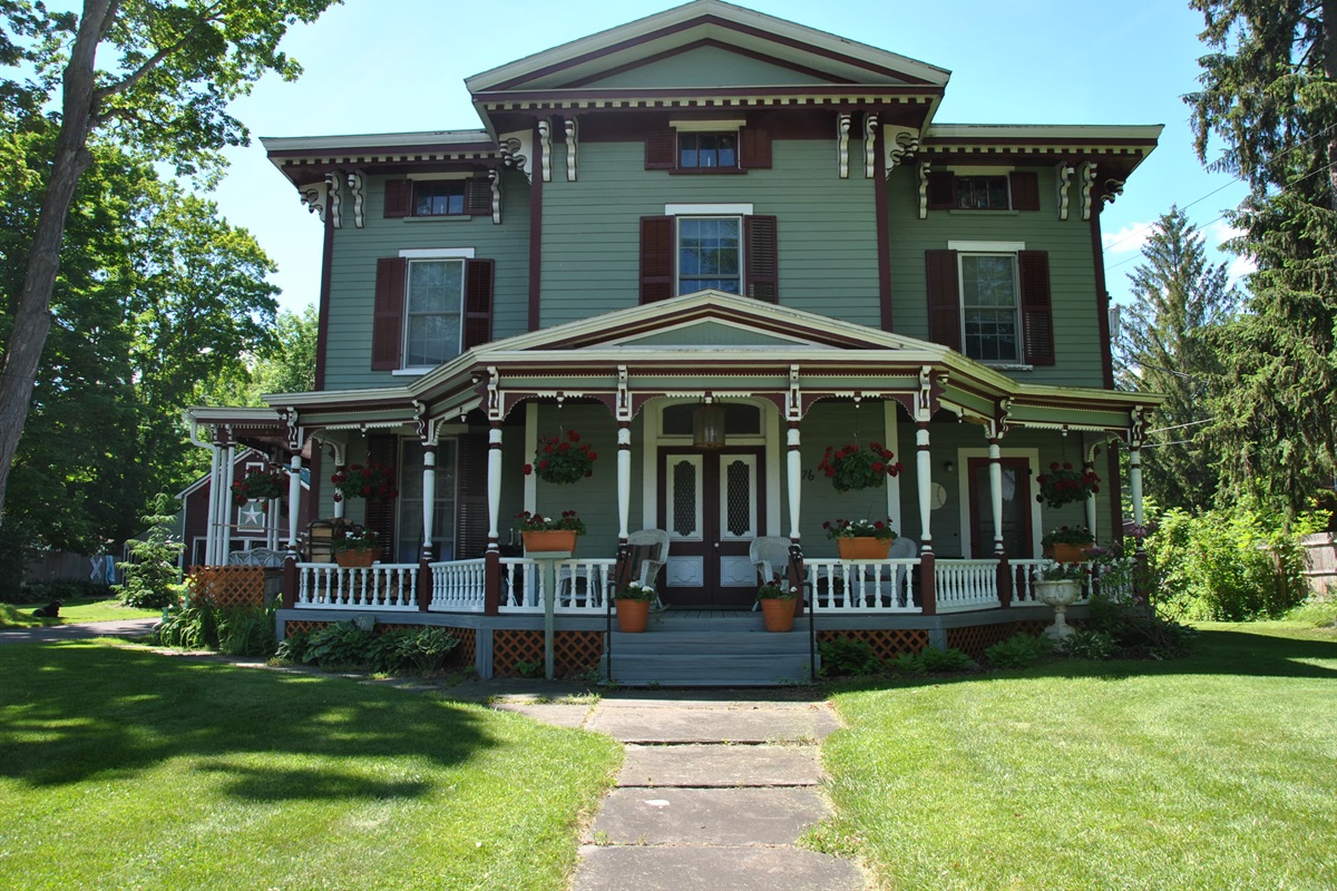 Classic Victorian exterior!