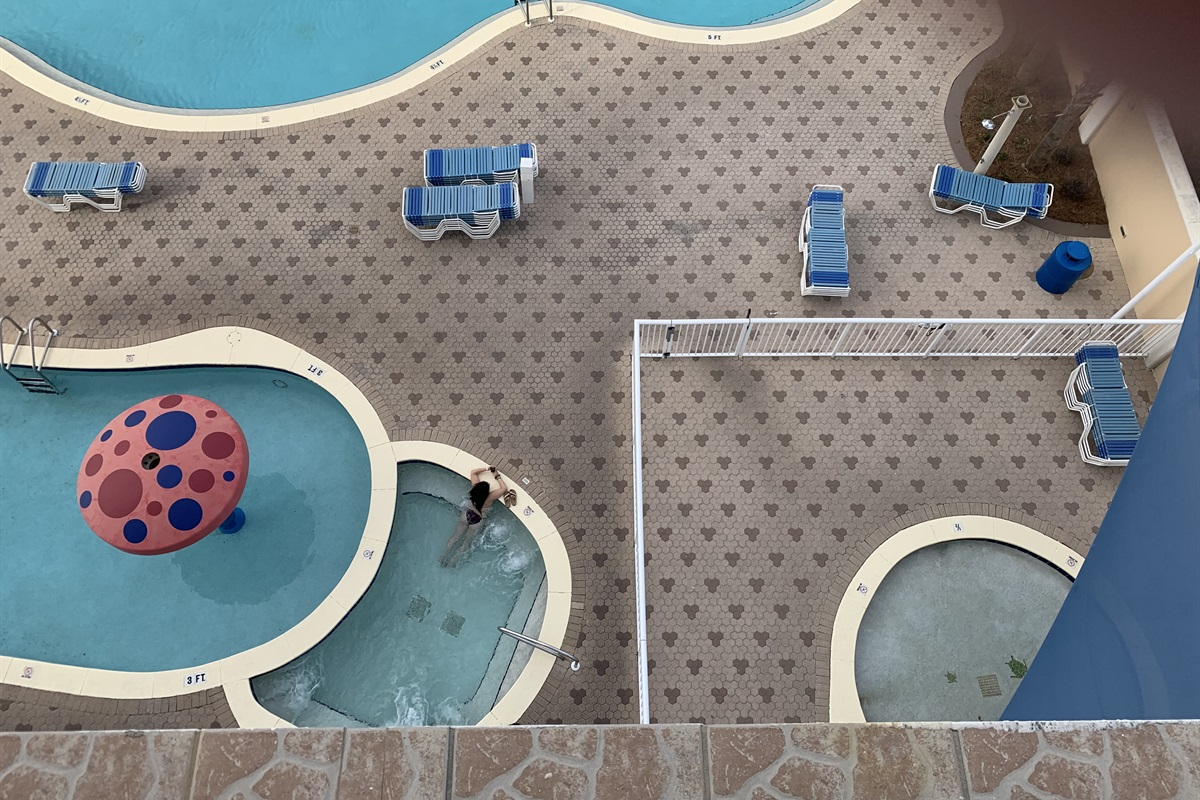 Another view of kiddie pool/ hot tub/ baby pool from 3rd rm balcony