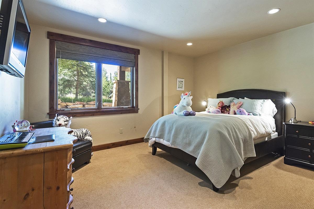Master suite #3 - queen bed