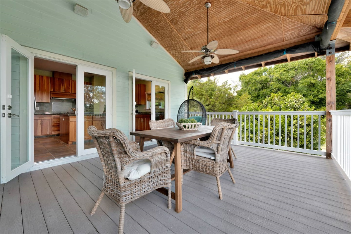 BIG BALCONY RIGHT OUTSIDE THE KITCHEN AND LIVING ROOM. USE IT FOR OUTDOOR DINING, LOUNGING OR ADDITIONAL SPACE TO EXTEND THE KITCHEN OR LIVING ROOM.