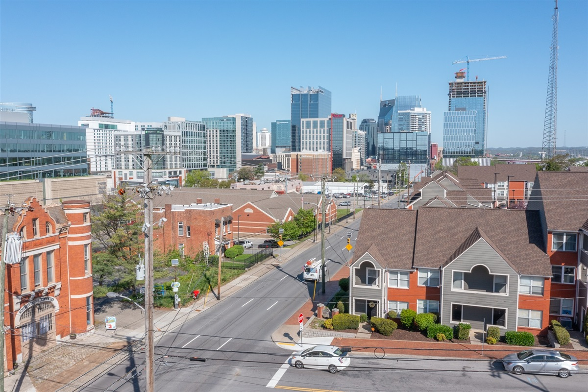Closest townhome to downtown, this unit is the opposite corner unit, closest to Broadway!