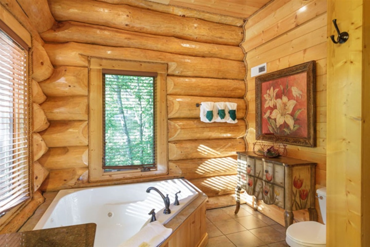 Jacuzzi tub of master bedroom. The bathroom also has a separate shower.