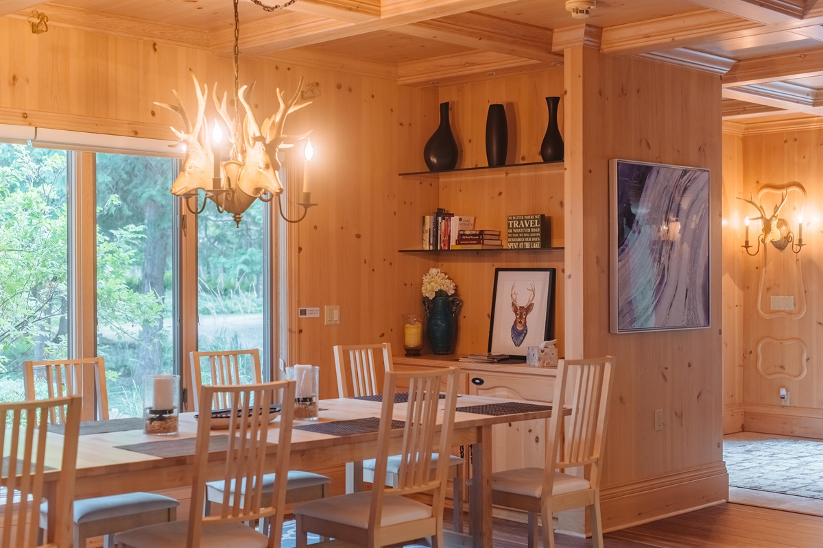 1 of 3 Dining Areas