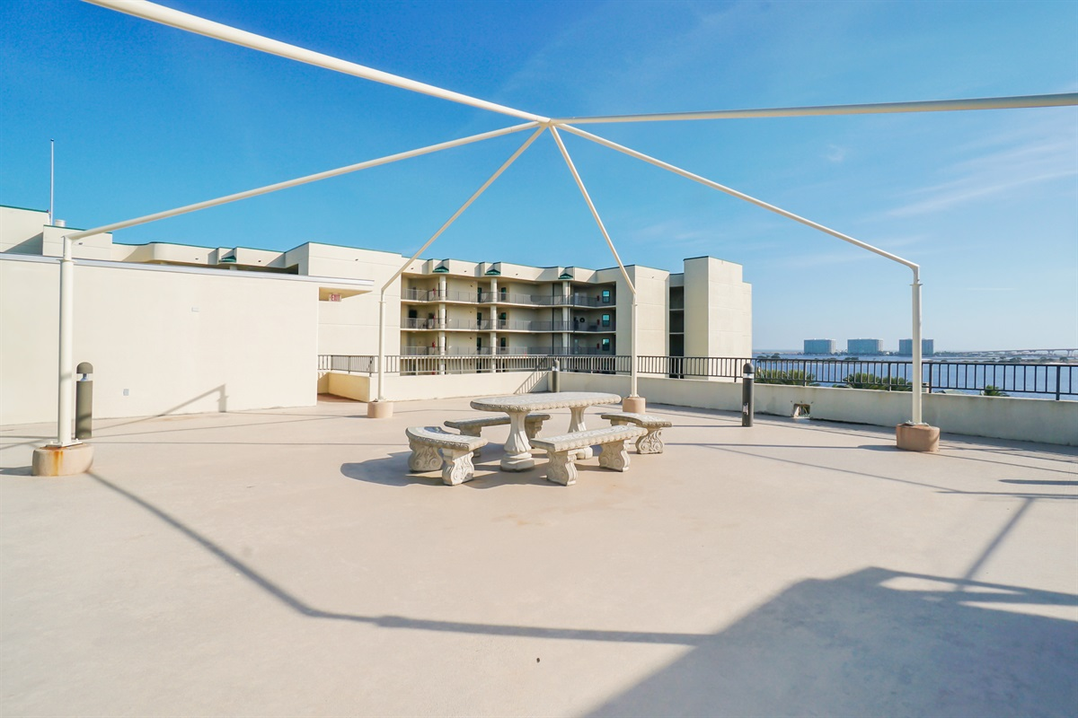 Roof Top Picnic Area