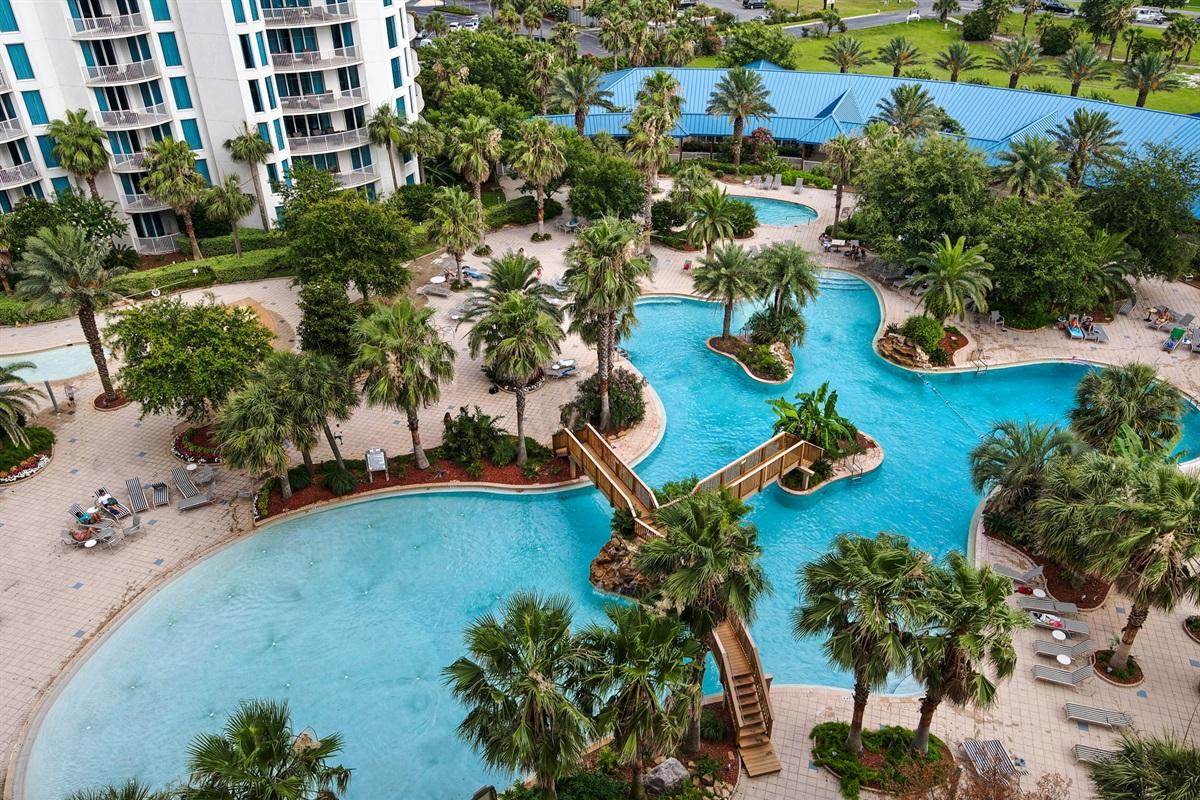 Lagoon style pool w/zero entry