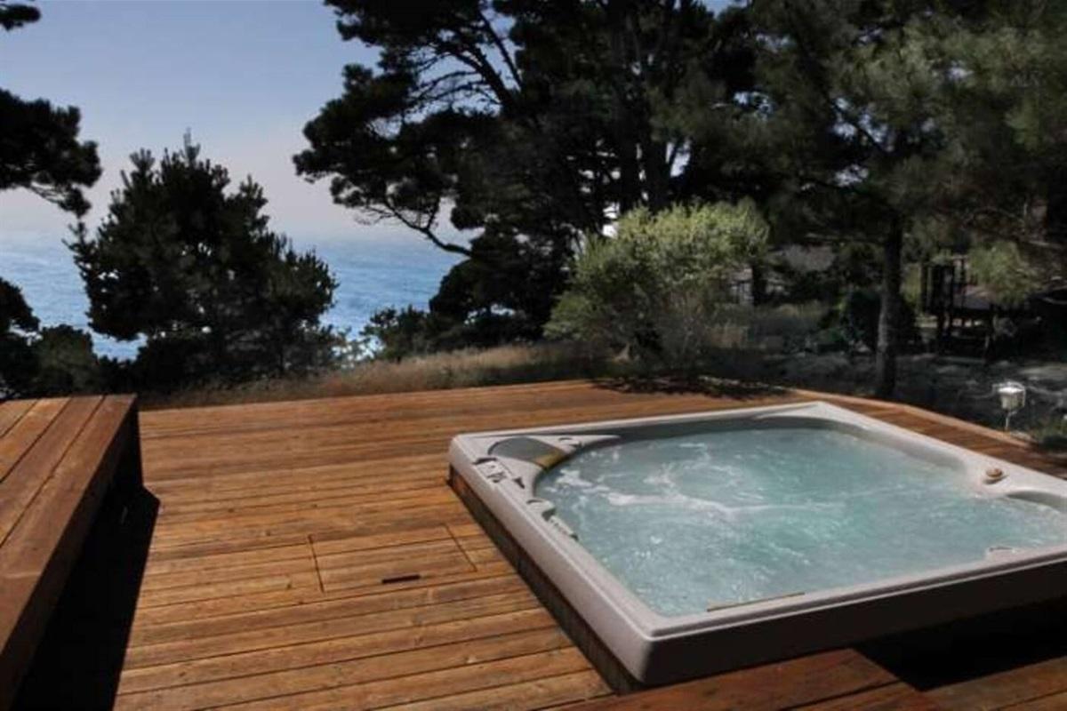 Ocean Bluff Serenity Hot Tub to Ocean View