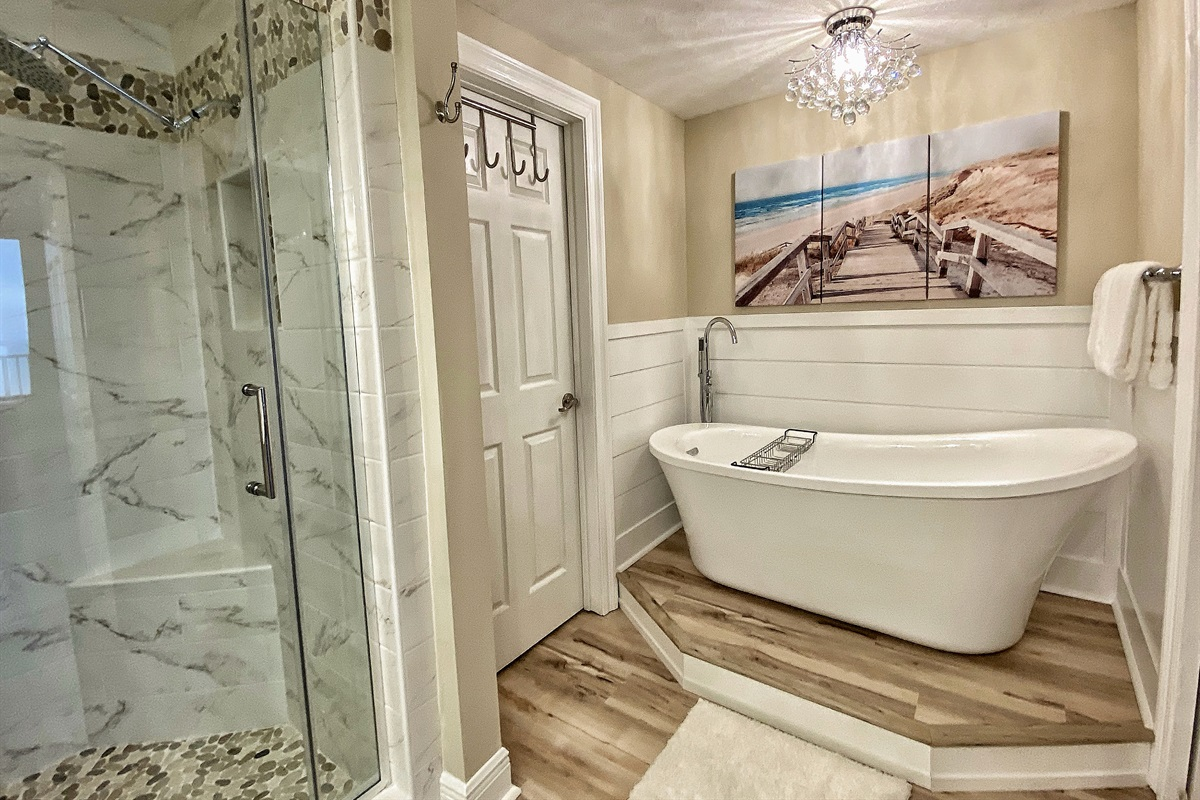 We have a tub in the master bath in our unit!