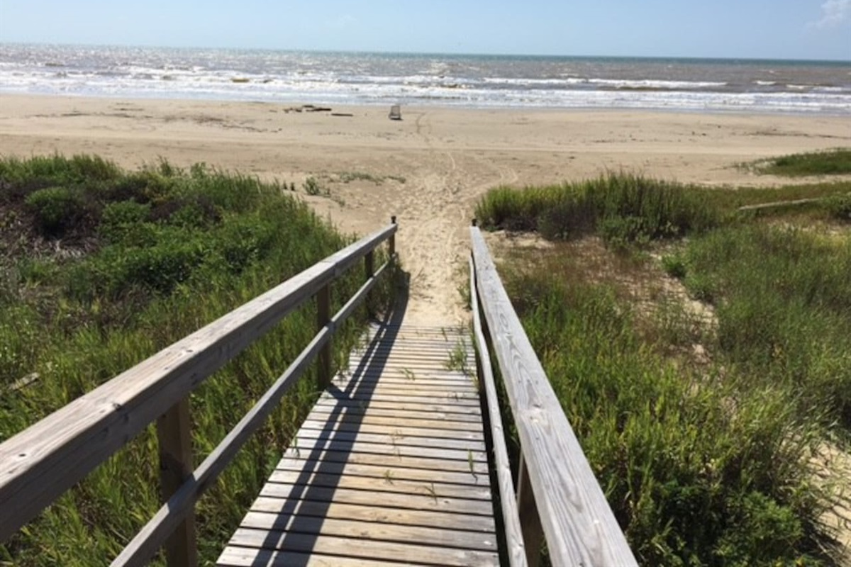 Less than 100 yards to beautiful, safe beaches with easy access via boardwalks over dunes