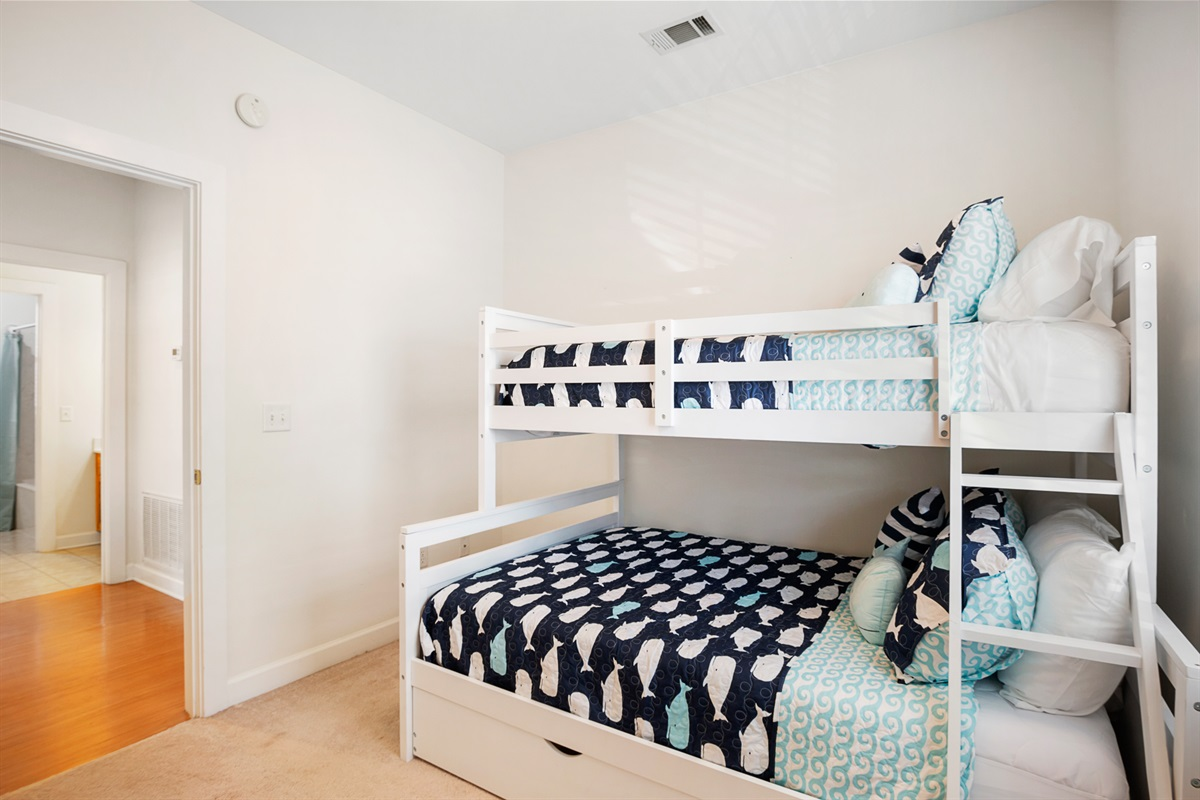bunk room with twin over full bed