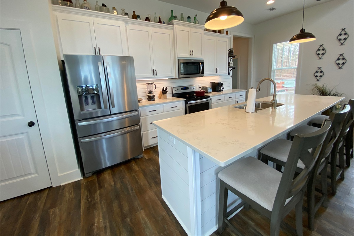 You'll have all the amenities needed during Mealtime and the Prep-Bar/Breakfast Bar makes it fun!