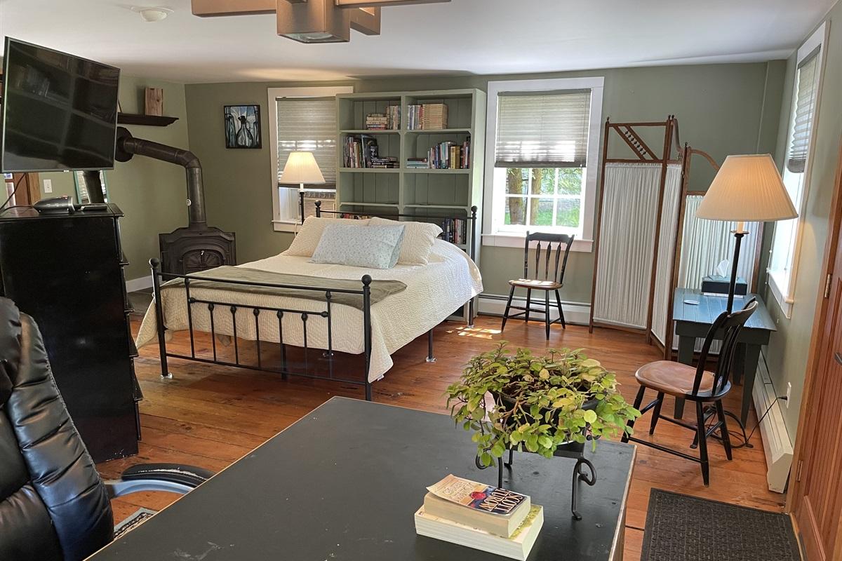 1st Floor Queen Bedroom w/ desk area, work from anywhere!