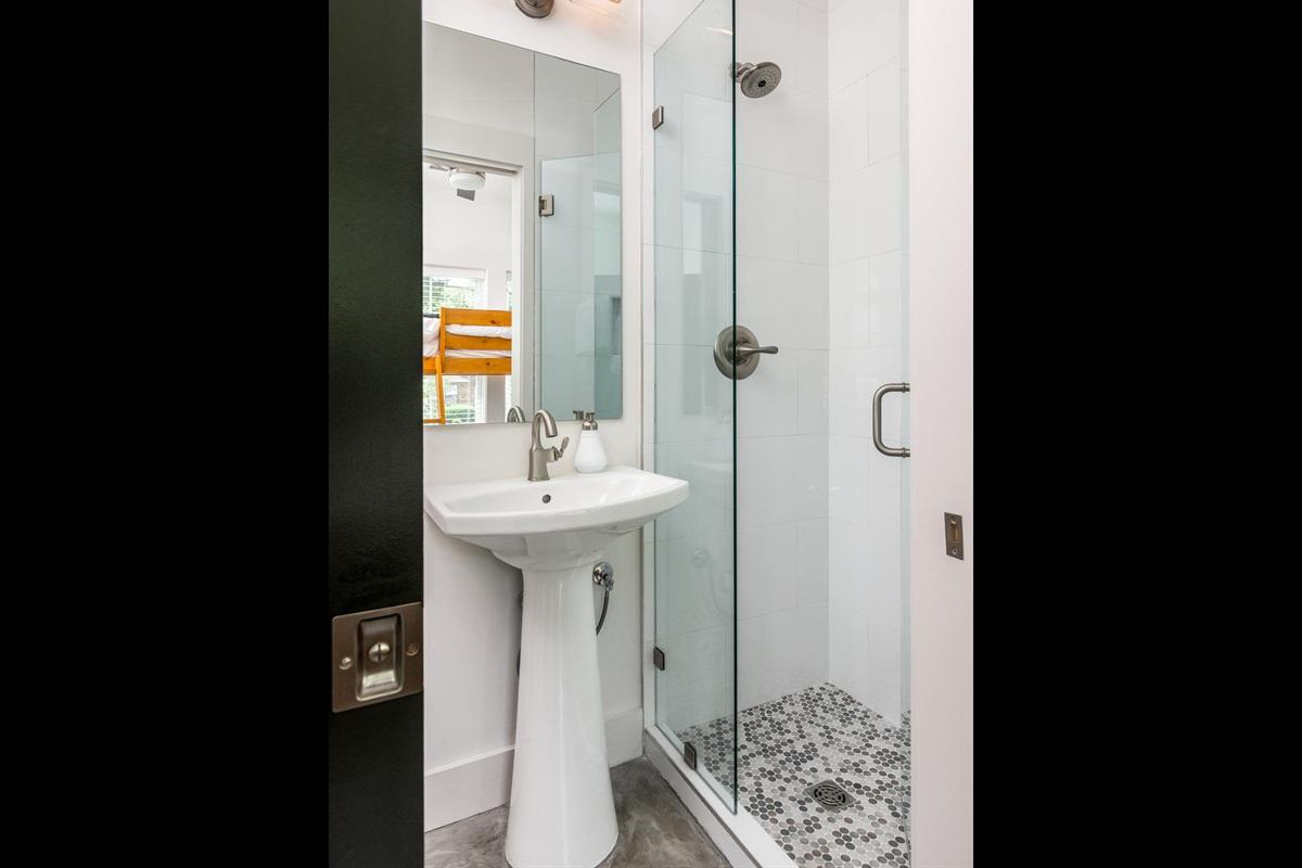 1st Guest Bath Tile Shower