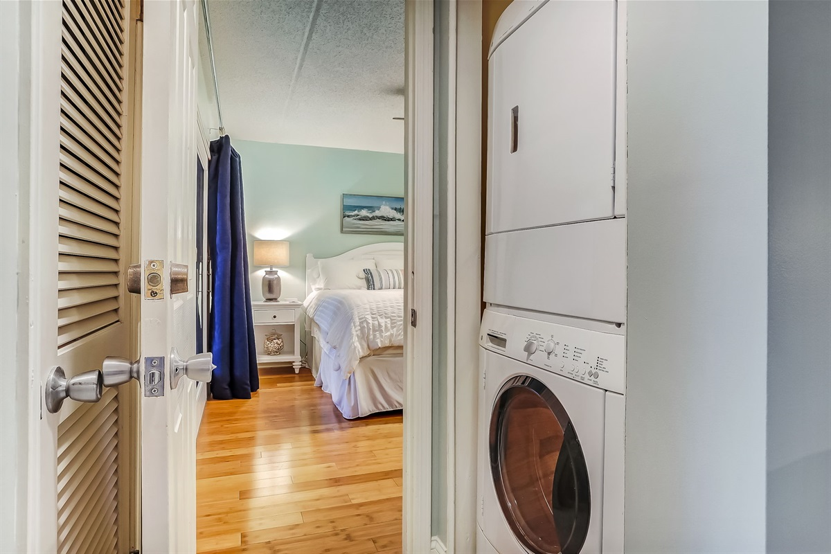 Full Size Stacked Washer/Dryer