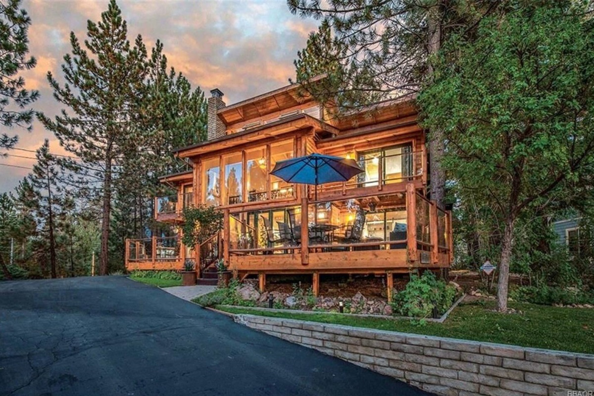 Grand view of Waterview Cabin, a million dollar getaway with amenities galore on a private half acre lot!