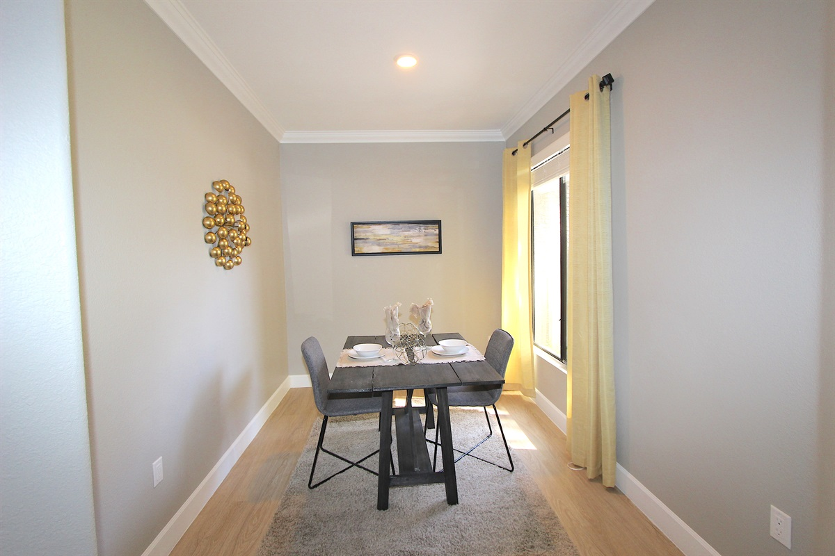 Dining area (Can be an office with desk upon request))